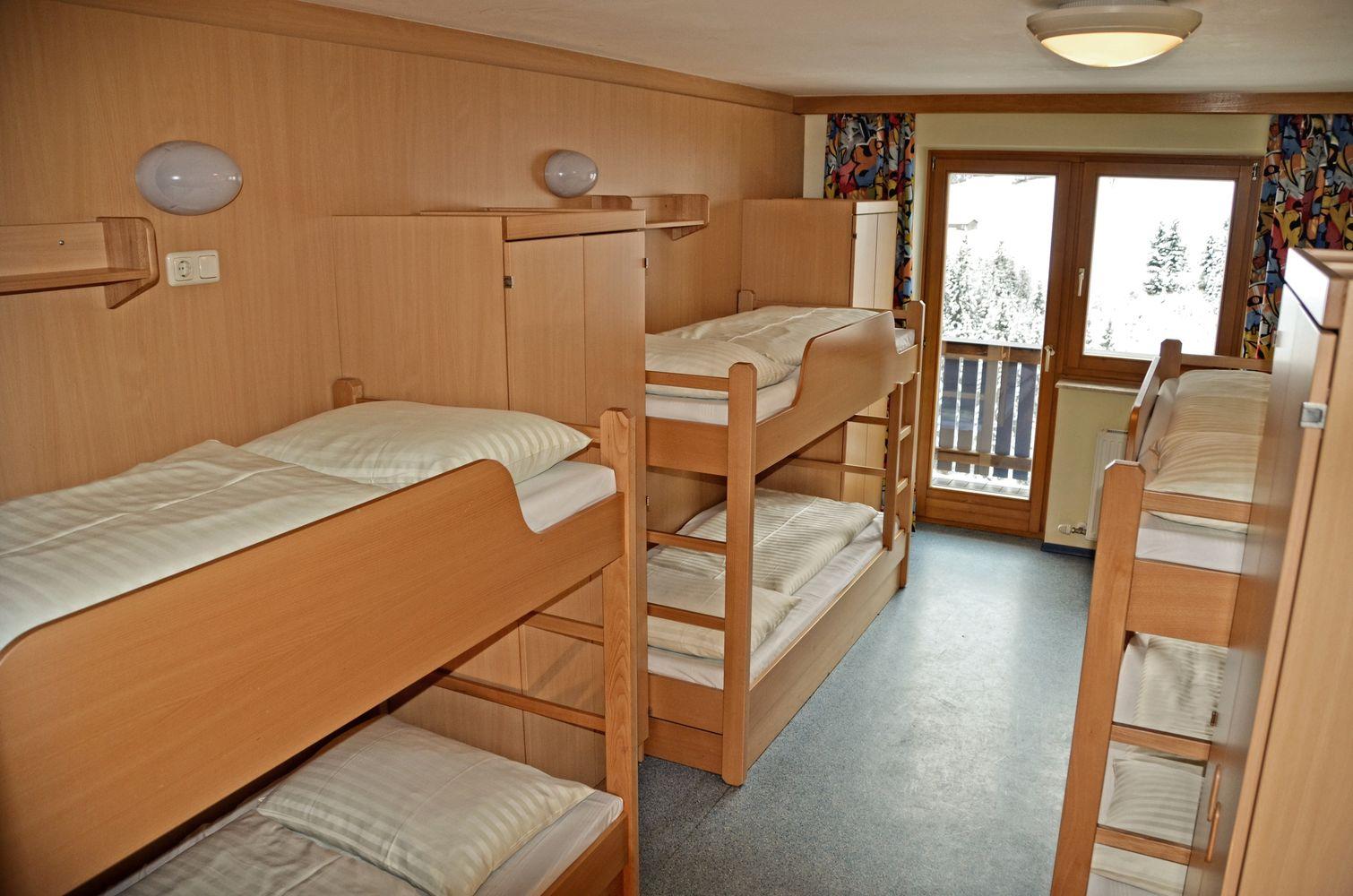 steinachhof jugend g stehaus steinachhof in saalbach hinterglemm. Black Bedroom Furniture Sets. Home Design Ideas
